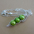 three Green shaped pearl Peapod Necklace
