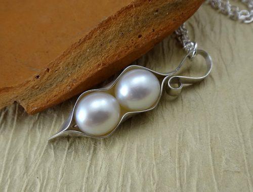 Pearl Pea Pod Necklace