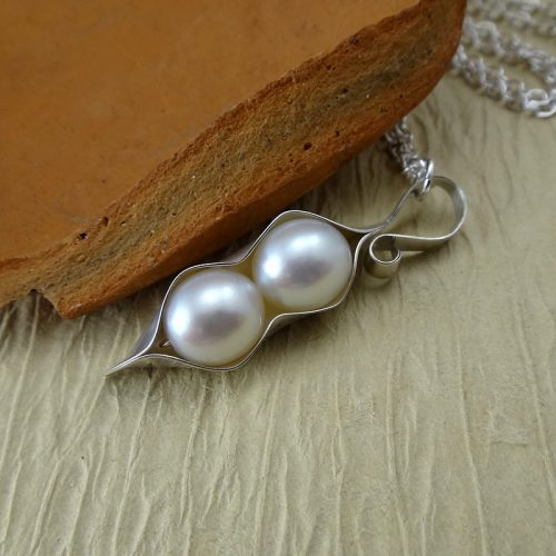 Pearl Pea Pod Necklace