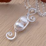 two pea pod necklace